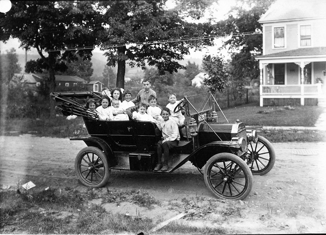 model-t-ford-and-children